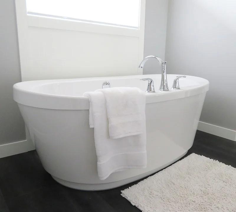 Badewanne Wanne Duschwanne Badezimmer Design Modern Fliesen Kacheln PVC Venyl